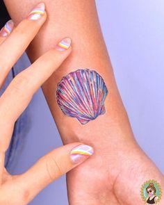 20 Small Tattoo Ideas For Women Beachy Tattoos, Seashell Tattoos, Ocean Tattoos, Up Tattoos, Mini Tattoos, Body Art Tattoos, Small Tattoos, Sleeve Tattoos, Tattoos For Women