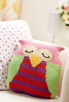 Owls are everywhere – on jumpers, on cards and now, thanks to Amanda Berry, on your sofa. This knitted cushion will make you the envy of all your friends and can be made using up DK yarn from your stash…