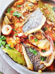 Diner Recipes, Dutch Recipes, Fish Recipes, Italian Recipes, Diner Food, Spanish Kitchen, Fish Dishes, Fish And Seafood, Yummy Drinks