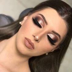 30 Pretty Christmas Makeup Ideas To Make You Look Hot Classy Makeup, Glam Makeup, Love Makeup, Simple Makeup, Bridal Makeup, Wedding Makeup, Natural Makeup, Beauty Makeup, Weihnachten Make-up