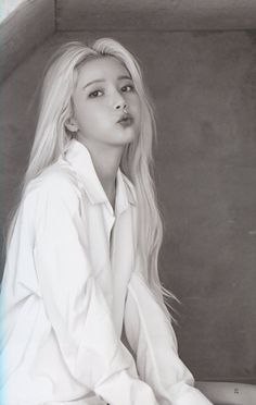 Check out Mamamoo @ Iomoio Kpop Girl Groups, Kpop Girls, Divas, Wheein Mamamoo, Solar Mamamoo, Jennie Blackpink, Soyeon, Chanbaek, K Idols
