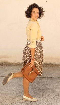 Antonietta of My Vintage Curves - elephant print skirt and gold-tone flats
