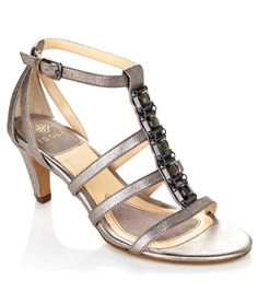 Studs on your feet now that is sweet! Repin if you love these @isolafootwear embellished kitten heel sandals!