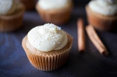 MAPLE CUPCAKES WITH CINNAMON GREEK YOGURT PASTRY CREAM (sponsored by FAGE Total)