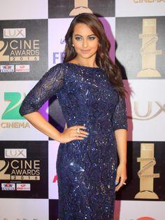 Sonakshi Sinha at Red Carpet of Lux Zee Cine Awards 2016
