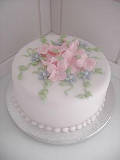 Creative Cake Decorating, Birthday Cake Decorating, Cake Decorating Tutorials, Creative Cakes, Buttercream Cake, Fondant Cakes, Cupcake Cakes, Fondant Cake Tutorial, Pretty Cakes