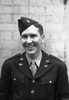 Burgess Meredith joined the United States Army Air Corps in February, 1942 and eventually reached the rank of Captain. After his discharged in 1945, he transferred to the Office of War Information and was involved in making films for GIs and the movie, The Story of G.I. Joe.
