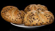 Domáce kaiserky   Recepty.sk Baked Potato, Food To Make, Good Food, Bread, Homemade, Baking, Ethnic Recipes, Basket, Home Made