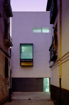 Elisa Valero.   Vivienda Unifamiliar Bioclimática.  Granada, Spain.  Fotografía Fernando Alda.