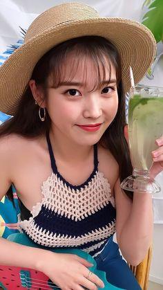 Prettiest Celebrities, Korean Celebrities, Kpop Girl Groups, Kpop Girls, Iu Hair, Girl Hair Colors, Nancy Jewel Mcdonie, Cute Korean Girl, Iu Fashion