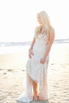Gorgeous Magic Hour Bridal Portraits   Luna de Mare Photography   Glam Beach Bride