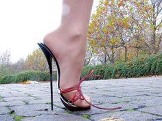 Sexy High Heels, Extreme High Heels, Beautiful High Heels, Super High Heels, Hot Heels, Strappy Heels, Stiletto Heels, Stilettos, Ballet Heels