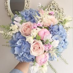 Un bouquet pastel - Wedding - Mariage Prom Flowers, Blue Wedding Flowers, Bridal Flowers, Flower Bouquet Wedding, Floral Wedding, Wedding Colors, Wedding Blue, Wedding Pastel, Pink And Blue Flowers