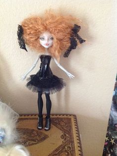Monster High Repaint. Naomi by BeaNMeDolls on Etsy, SOLD