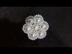 Flor de Pérola faça você mesmo DIY - flor de perla DIY - Pearl flower DIY - YouTube Beaded Earrings, Beaded Jewelry, Pearl Design, Bead Loom Bracelets, Bijoux Diy, Pearl Flower, Beads And Wire, Beading Tutorials, Jewelry Patterns