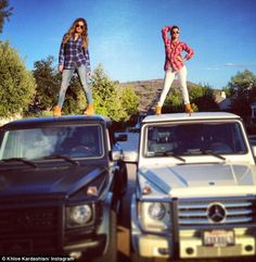 Khloe Jenner & Kourtney Kardashian - All Babes are Wolves: Mad for Plaid 2013 Kardashian Cars, Khloe Kardashian Dress, Kourtney Kardashian Instagram, Kardashian Jenner, Kardashian Style, Kardashian Fashion, Timberland Boots Outfit, Timberlands, Timberland Style