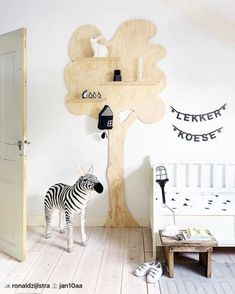 Tree decor in kid's room