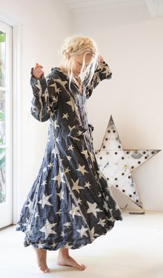 Magnolia Pearl, Bohemian Lifestyle, Romantic Outfit, Got The Look, Long Jackets, Hippie Style, Star Fashion, Crochet, Vintage Fashion
