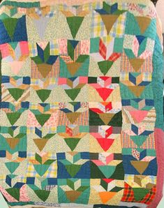 Barbara Brackman's MATERIAL CULTURE: Summer Colors Antique Quilts, Vintage Quilts, Patch Quilt, Quilt Blocks, Quilting Projects, Quilting Designs, Gees Bend Quilts, Bright Quilts, American Quilt