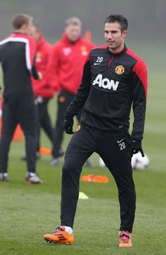 Manchester United manager David Moyes is happy Robin van Persie has set the record straight on his future with the club.