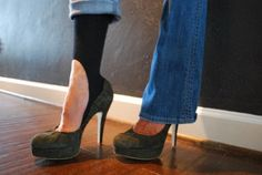 keyhole socks..socks you can wear with high heals or flats! i want!