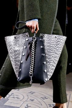 A closer look at Mulberry Winter 2016 at London Fashion Week