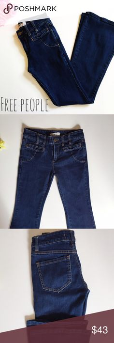 Free People jeans! Excellent condition! Size W 27! Inseam 31in - Waist down 40in - Waist across 14in.  Free People Jeans Flare & Wide Leg
