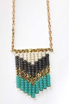 Collar turquesa Chevron Pop por TinyArmour en Etsy