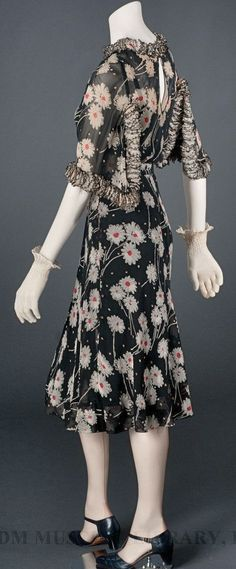 ~Chanel Dress - c. 1937 - by Gabrielle 'Coco' Chanel~ #ElegantLivingForWomen…