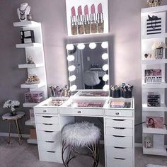 Most interesting Make-up Organizer Ideas and Recommendations - Trendy Room Design Bedroom, Room Ideas Bedroom, Bedroom Decor, Entryway Decor, Beauty Room Decor, Makeup Room Decor, Pinterest Room Decor, Dressing Table Design, Glam Room
