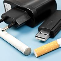 Steven Petrow: E-Cigarette-iquette: To Puff or Not to Puff?
