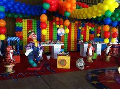 http://bolabola.webnode.com.br/album/decoração%20novidades/circo-mega-cenario-3-jpg/
