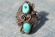 Vintage Southwestern Navajo Style Sterling Silver & Turquoise Ring