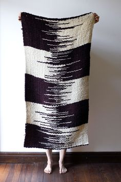 Weaving Textiles, Weaving Patterns, Tapestry Weaving, Loom Weaving, Hand Weaving, Weaving Projects, Crochet Projects, Boho Diy, Reno