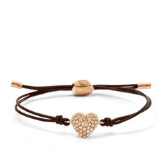 FOSSIL Armband Glitz Heart JF01153791 mit funkelndem Herzanhänger in Roségold  Die Armbandlänge ist durch einen Zugverschluss verstellbar.