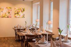 Table Settings, Table Decorations, Furniture, Home Decor, Decoration Home, Room Decor, Place Settings, Home Furnishings, Arredamento