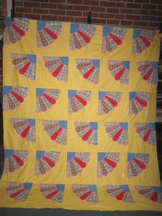 Vintage Cotton Feedsack Perfect 65x78 Appliqued Grandmothers Fan Quilt Top