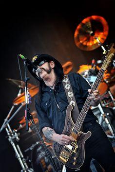 Lemmy Kilmister, Motörhead - Hellfest 2010 by Mathieu Ezan (Metalorgie)   #Motorhead #Quiz #No Sleep