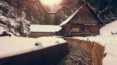 Winter Holidays, Great Places, Journey, Cabin, House Styles, Travel, Home Decor, Winter Vacations, Voyage
