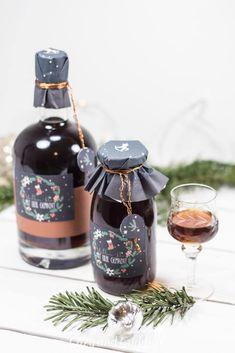 Adventskalender Türchen Nr. 20 - Schwarzbier-Likör mit Etiketten zum Ausdrucken | cozy and cuddly