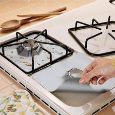 4Pcs Durable Aluminum Foil Gas Stove Burner Cover Protector Liner Clean Pad