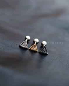 cartilage earring tragus earring cartilage piercing por JennySweety