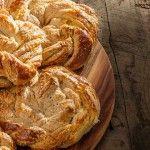 "Refika Birgül'den ""Starbucks'ın Havuçlu Kek"" Tarifi | Tatlılar Apple Pie, Kfc, Bread, Desserts, Food, Tailgate Desserts, Deserts, Brot, Essen"