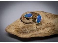 Boucles d'oreilles en argent 925, serties de pierre fine d'opales et faites main.