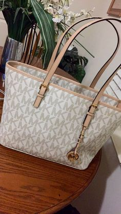 5dd212ef10 Great Michael Kors bags you have there. Anyway  Id like to share the most  fashionable collections in this Michael Kors Outlet!
