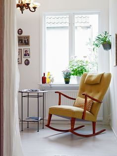 I love this Scandinavian retro rocking chair