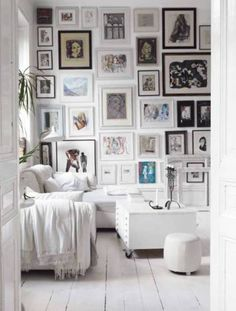 Decorating with Wall Art For Living Room