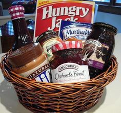 breakfast gift basket - great theme for Fall festival auction and maybe get a gift card to Cracker barrel or Waffle house? Fundraiser Baskets, Raffle Baskets, Theme Baskets, Themed Gift Baskets, Fall Gifts, Christmas Gifts, Christmas Boxes, Christmas Ideas, Fall Gift Baskets