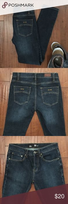 Men's RSQ London Skinny Jeans. 28x30 Purchased at Tilly's, these men's RSQ London skinny jeans are in excellent condition. Size 28x30. RSQ Jeans Skinny