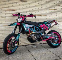 Ktm Dirt Bikes, Cool Dirt Bikes, Dirt Bike Gear, Motorcycle Dirt Bike, Pit Bike, Motorcycle Quotes, Pink Dirt Bike, Dirt Biking, Moto Cross Ktm